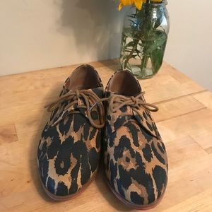 Forever 21 leopard print canvas loafers